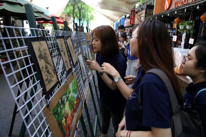 Cuối tuần đến đường sách xem ảnh và nghe kể chuyện về Sài Gòn - ảnh 2