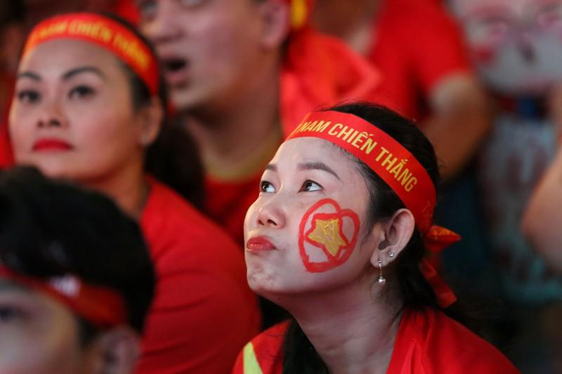 Người hâm mộ ăn mừng 'mưa bàn thắng' của U-22 Việt Nam - ảnh 5