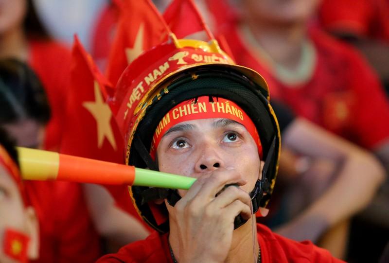 Người hâm mộ ăn mừng 'mưa bàn thắng' của U-22 Việt Nam - ảnh 6