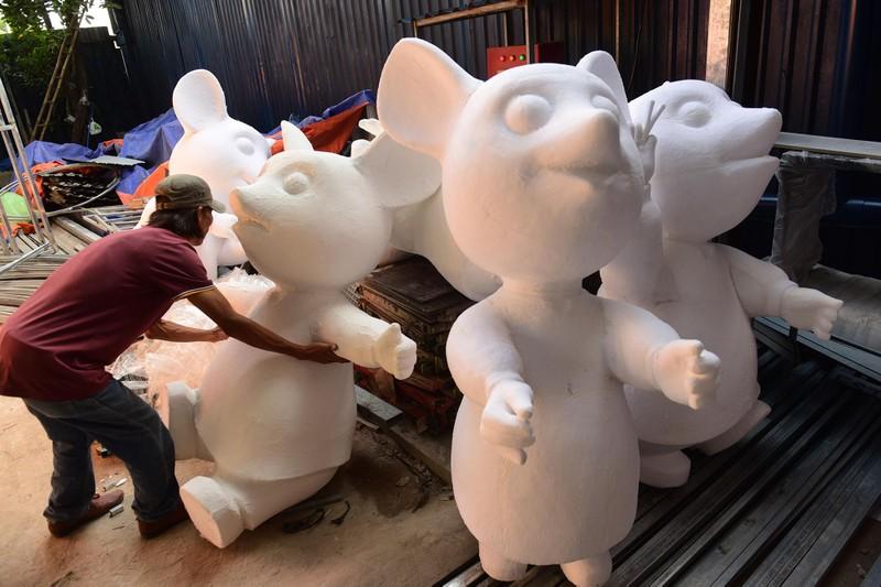 """Lộ diện gia đình chuột sắp """"đổ bộ"""" đường hoa Nguyễn Huệ 2020 - ảnh 3"""