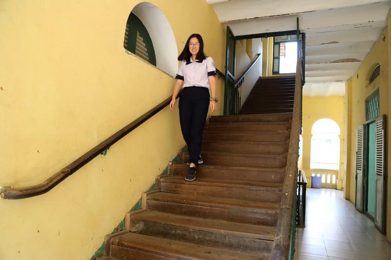 Cận cảnh ngôi trường dòng trăm tuổi ở Sài Gòn - ảnh 13