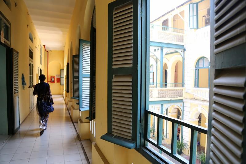 Cận cảnh ngôi trường dòng trăm tuổi ở Sài Gòn - ảnh 14