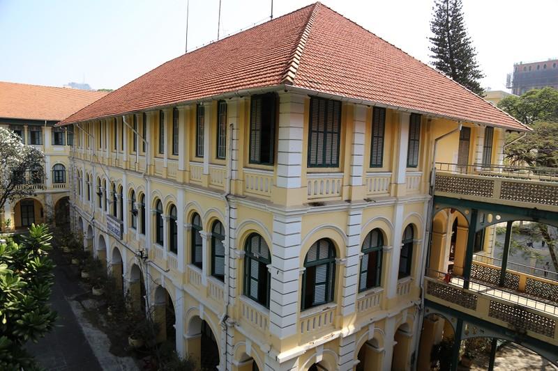 Cận cảnh ngôi trường dòng trăm tuổi ở Sài Gòn - ảnh 4