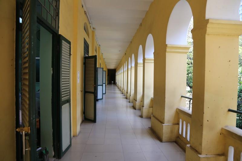 Cận cảnh ngôi trường dòng trăm tuổi ở Sài Gòn - ảnh 9