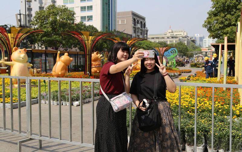 Hé lộ đường hoa Nguyễn Huệ trước ngày khai mạc - ảnh 15