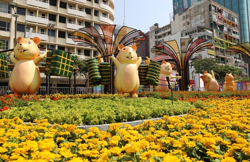 Hé lộ đường hoa Nguyễn Huệ trước ngày khai mạc - ảnh 7