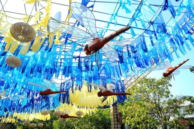 'Biển người' chen chân ở đường hoa Nguyễn Huệ 2020 - ảnh 12