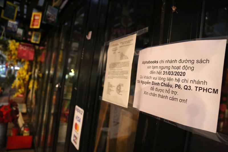 Chùm ảnh hàng quán ở TP.HCM đồng loạt tạm đóng cửa - ảnh 5