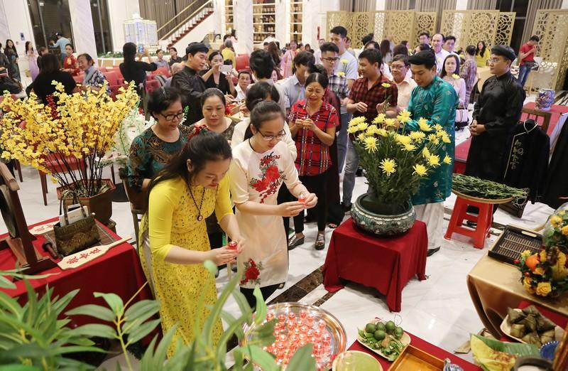 Học trò tưởng niệm 5 năm ngày mất cố GS.TS Trần Văn Khê - ảnh 1