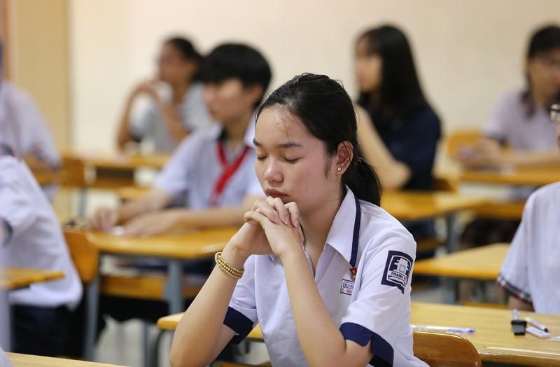 Thí sinh tự tin xen lo âu trong ngày đầu thi vào lớp 10 - ảnh 7