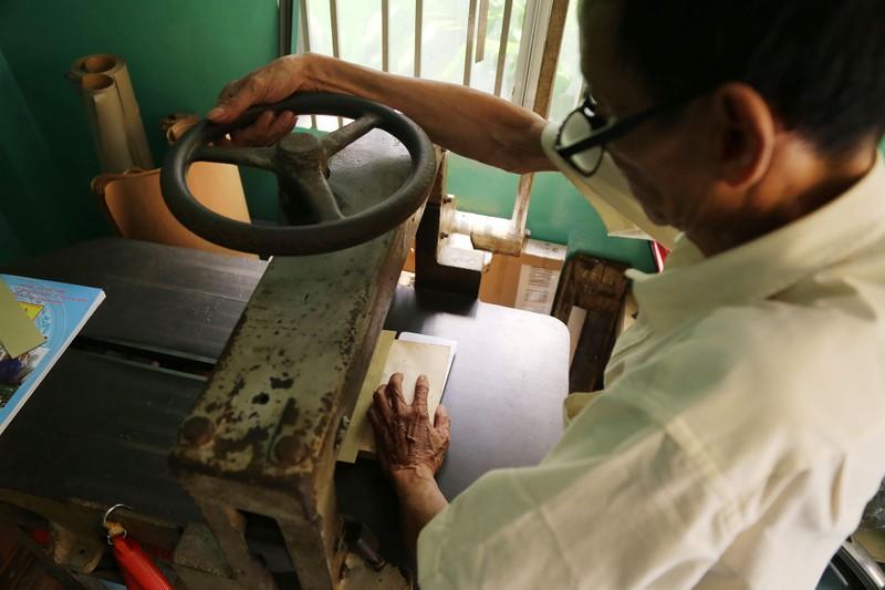 Vị cứu tinh của hàng ngàn người mê sách cũ ở Sài Gòn - ảnh 5