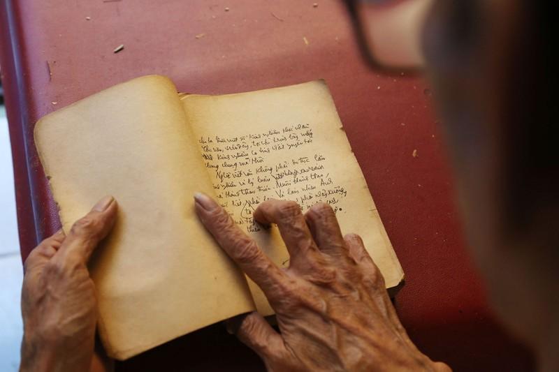 Vị cứu tinh của hàng ngàn người mê sách cũ ở Sài Gòn - ảnh 8