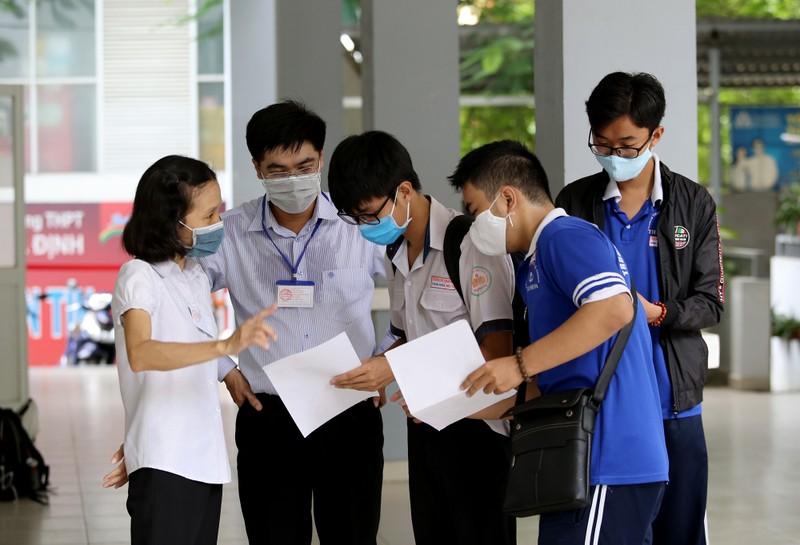 Quy trình kiểm tra y tế nghiêm ngặt trước giờ thi THPT 2020 - ảnh 16