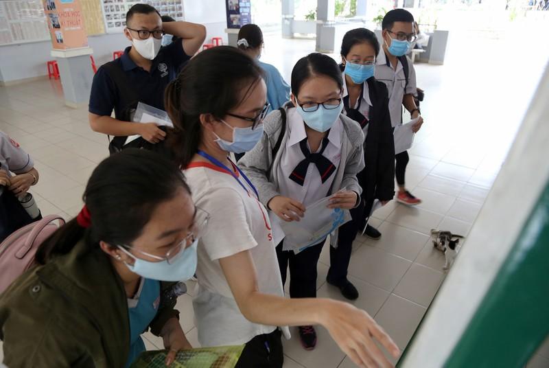Quy trình kiểm tra y tế nghiêm ngặt trước giờ thi THPT 2020 - ảnh 5