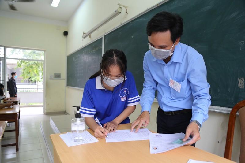 Quy trình kiểm tra y tế nghiêm ngặt trước giờ thi THPT 2020 - ảnh 9