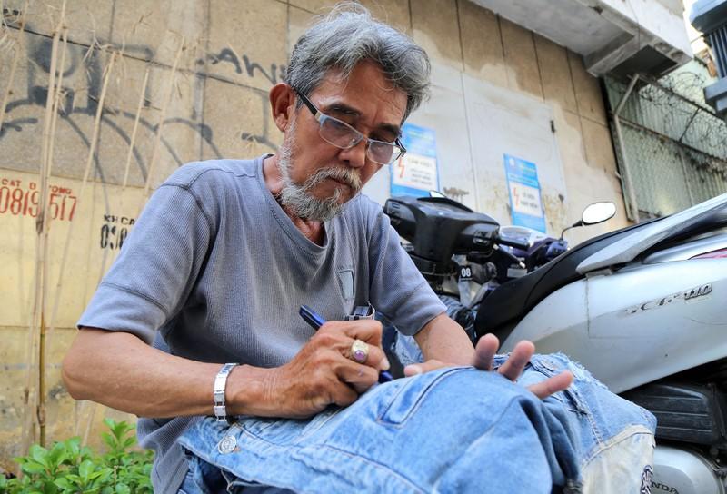Nghề 'xé quần' độc nhất vô nhị ở Sài Gòn - ảnh 1