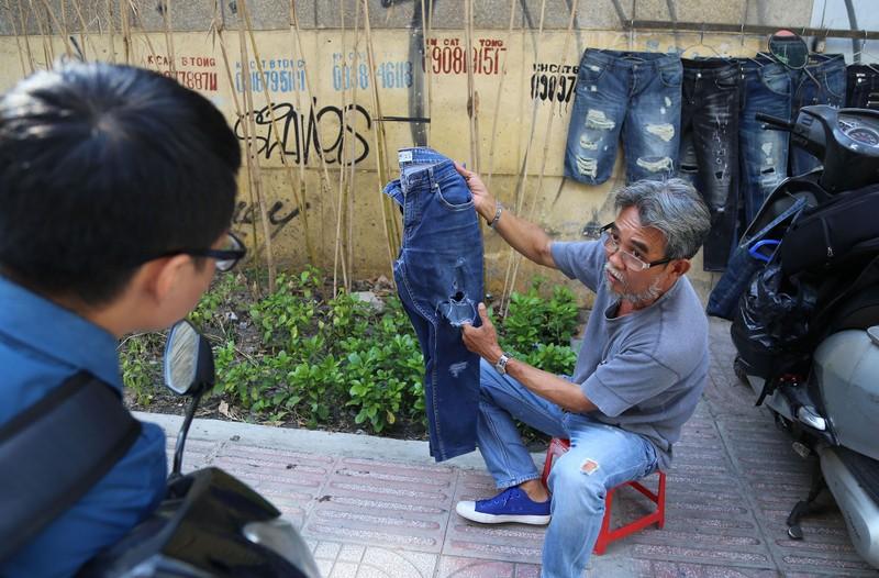 Nghề 'xé quần' độc nhất vô nhị ở Sài Gòn - ảnh 3