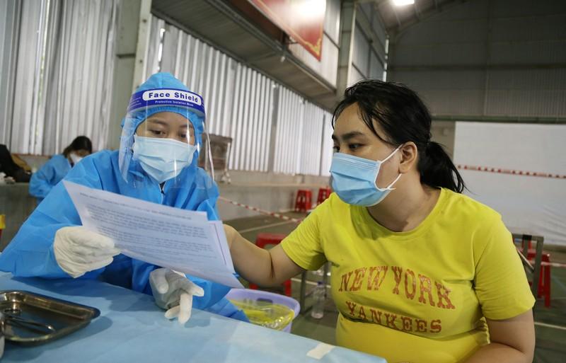 Chùm ảnh: Người dân TP.HCM tiêm vaccine Vero Cell  - ảnh 3