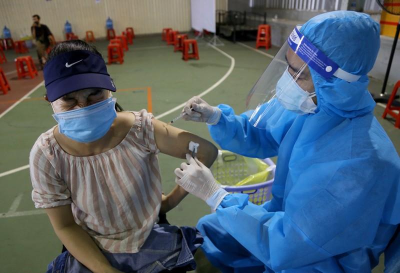 Chùm ảnh: Người dân TP.HCM tiêm vaccine Vero Cell  - ảnh 7