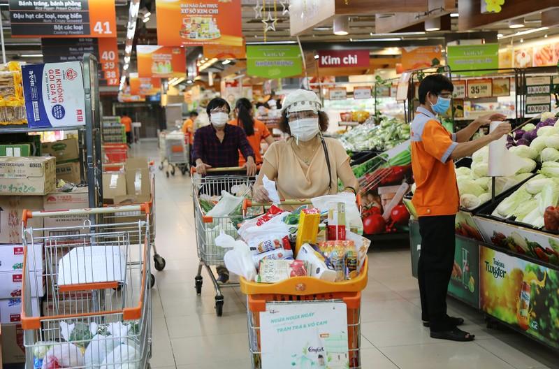 Chùm ảnh người dân quận 7 những ngày đầu tự đi siêu thị  - ảnh 1