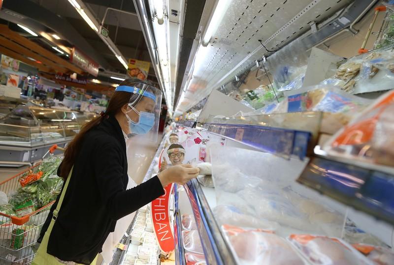 Chùm ảnh người dân quận 7 những ngày đầu tự đi siêu thị  - ảnh 7