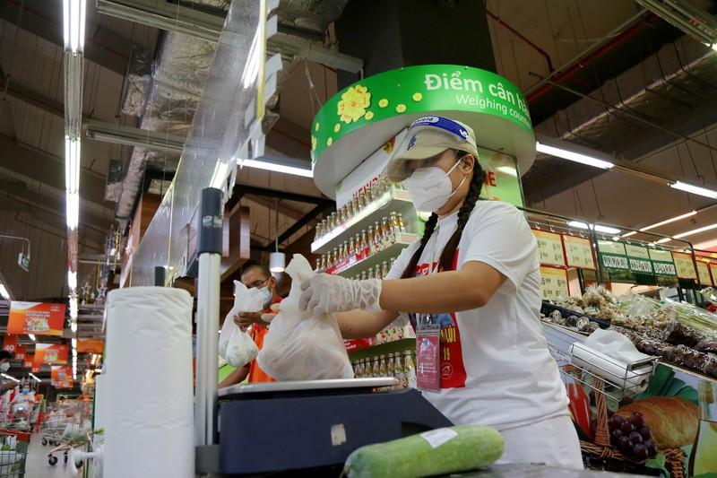 Chùm ảnh người dân quận 7 những ngày đầu tự đi siêu thị  - ảnh 10