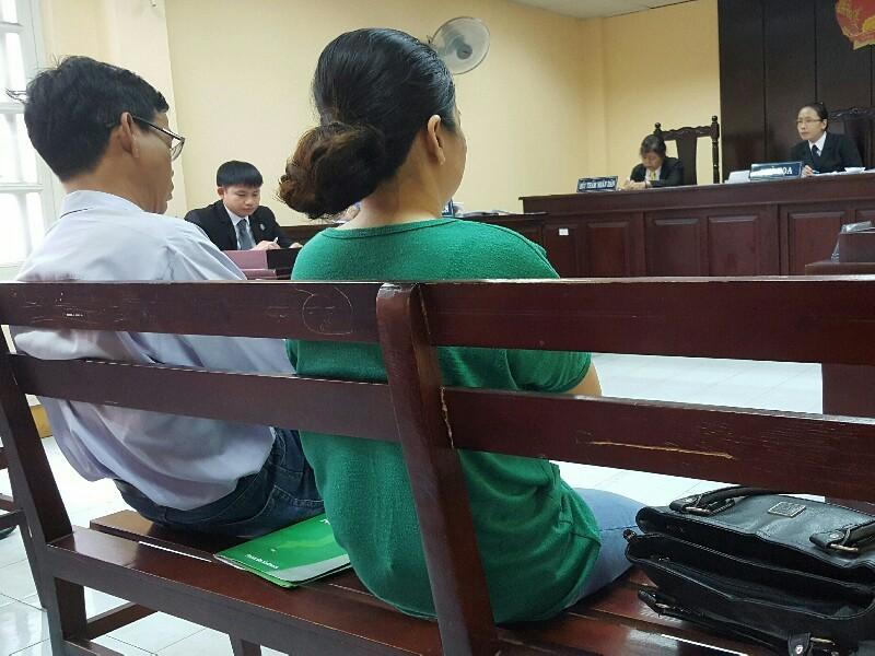 Nghị án kéo dài vụ bé trai tử vong trong hồ bơi - ảnh 1