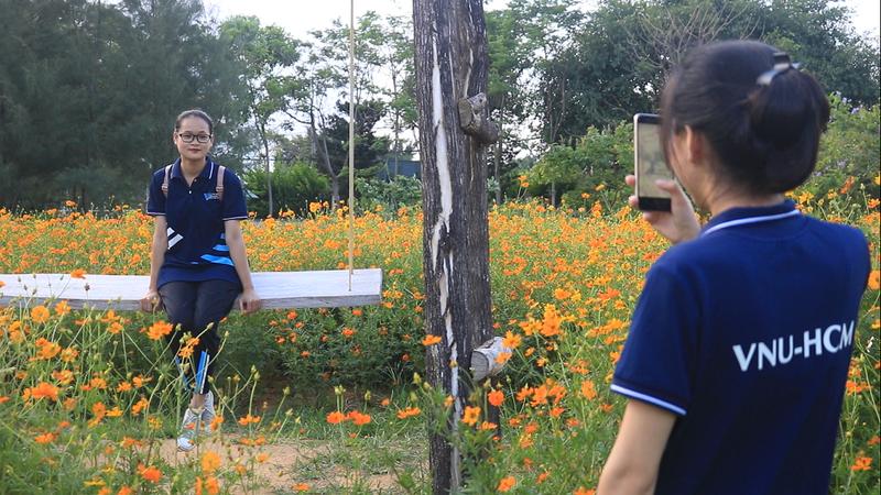 Ngắm vườn hoa, rau củ quả trong trường đại học ở TP.HCM - ảnh 6