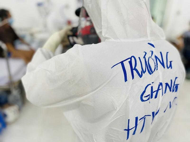 Phim tài liệu 'HTV từ tâm dịch' và chia sẻ của người cầm máy  - ảnh 2