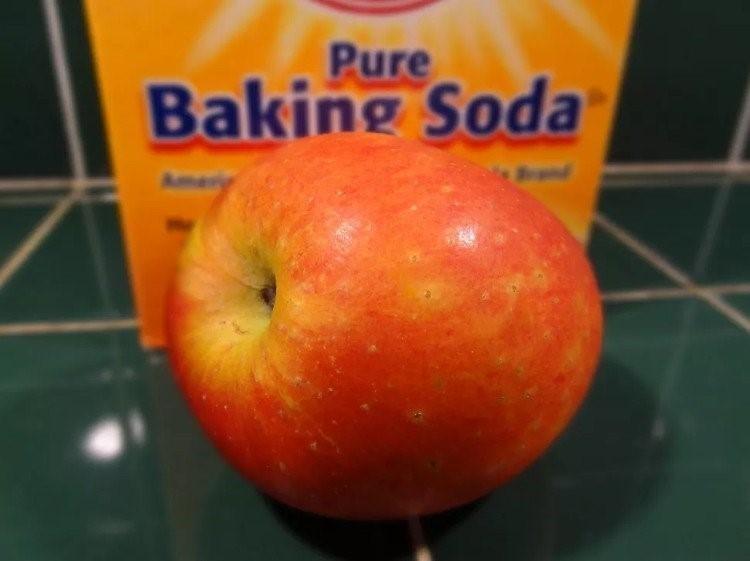Cách rửa thuốc trừ sâu ngoài vỏ táo theo chuẩn khoa học - ảnh 1