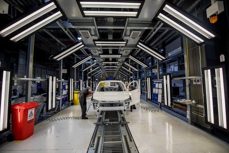 VinFast khánh thành nhà máy, bắt đầu sản xuất ô tô hàng loạt - ảnh 2