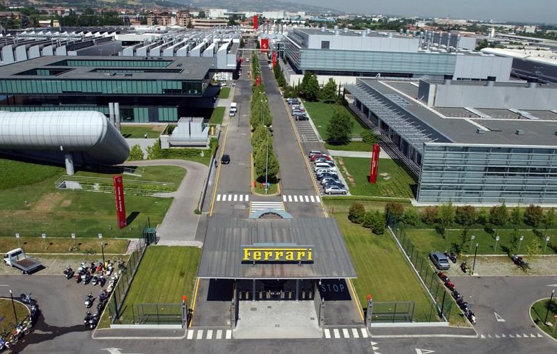 Châu Âu dừng sản xuất xe hơi - ảnh 2