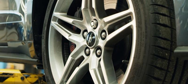Mua ô tô Ford không bao giờ sợ bị trộm mất bánh xe - ảnh 2