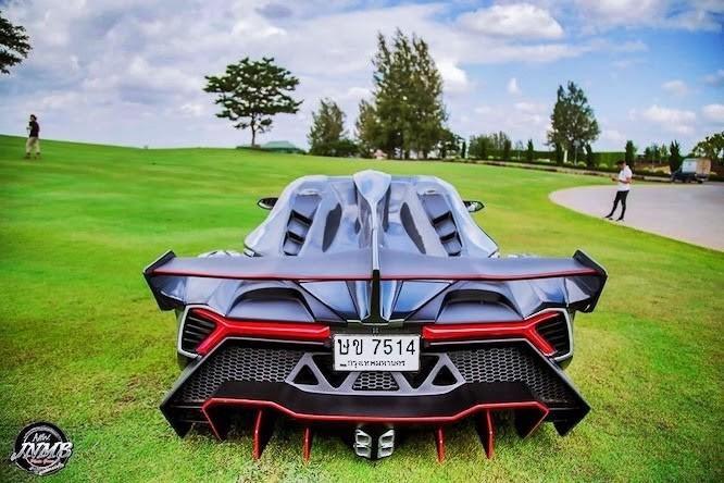Xưởng độ chuyên biến 'xế cỏ' thành siêu xe - ảnh 2