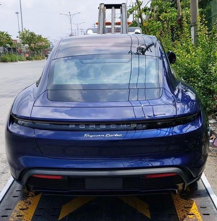 Siêu xe điện Porsche Taycan đầu tiên về Việt Nam  - ảnh 1