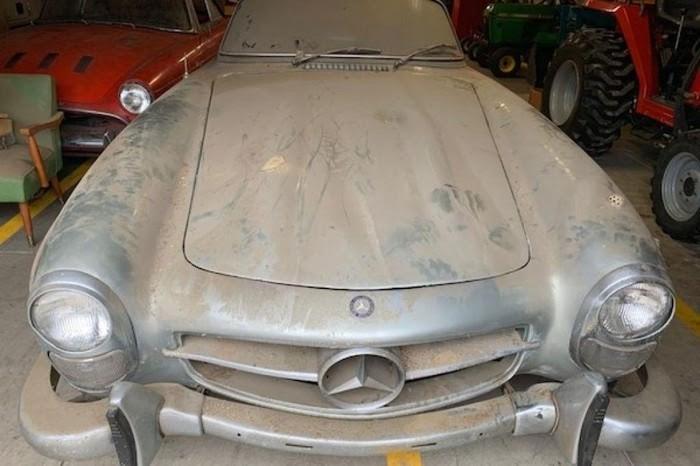 Mercedes-Benz 300 SL Roadster bỏ xó suốt 40 năm giá 23 tỉ - ảnh 3