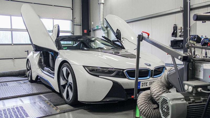 Độ lại BMW i8 mạnh hơn cả siêu xe - ảnh 1