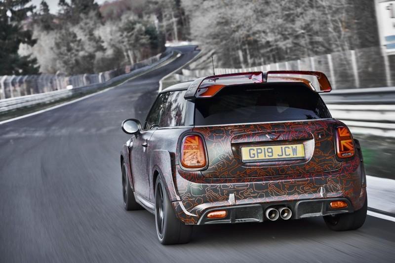 Xe hơi Anh giá 306 triệu, giới hạn 3.000 chiếc toàn cầu - ảnh 3