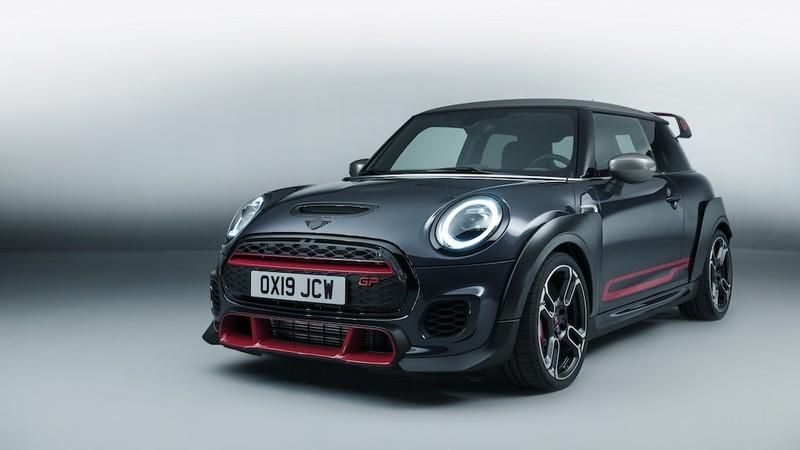 Xe hơi Anh giá 306 triệu, giới hạn 3.000 chiếc toàn cầu - ảnh 1