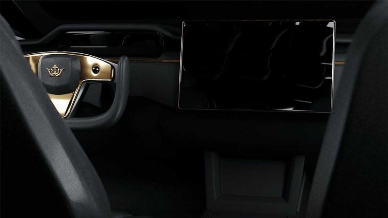 Chiêm ngưỡng xe Tesla đắt nhất thế giới được mạ vàng 24k - ảnh 3