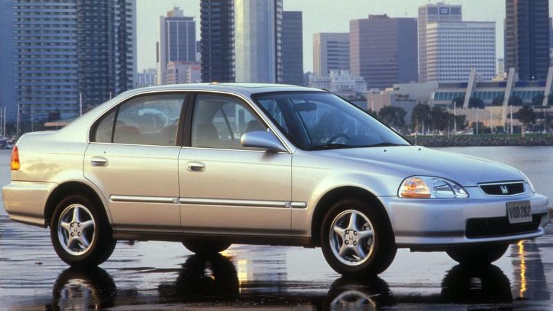 Nhìn lại thiết kế của Honda Civic qua các thời kỳ - ảnh 6