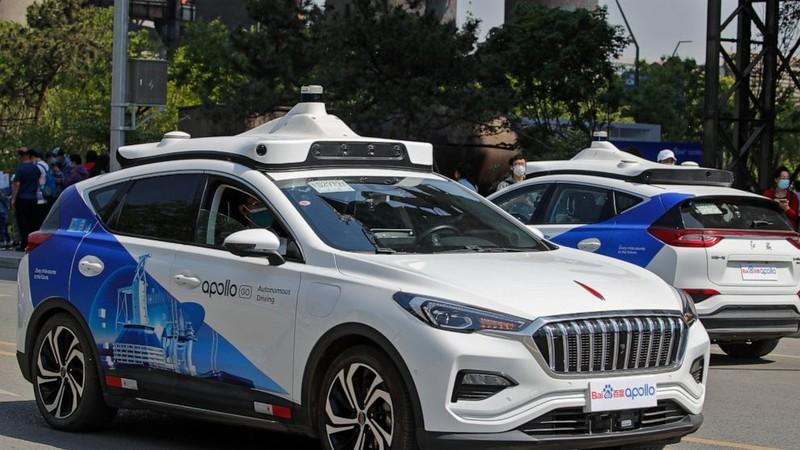 Xuất hiện dịch vụ taxi không người lái ở Trung Quốc - ảnh 1