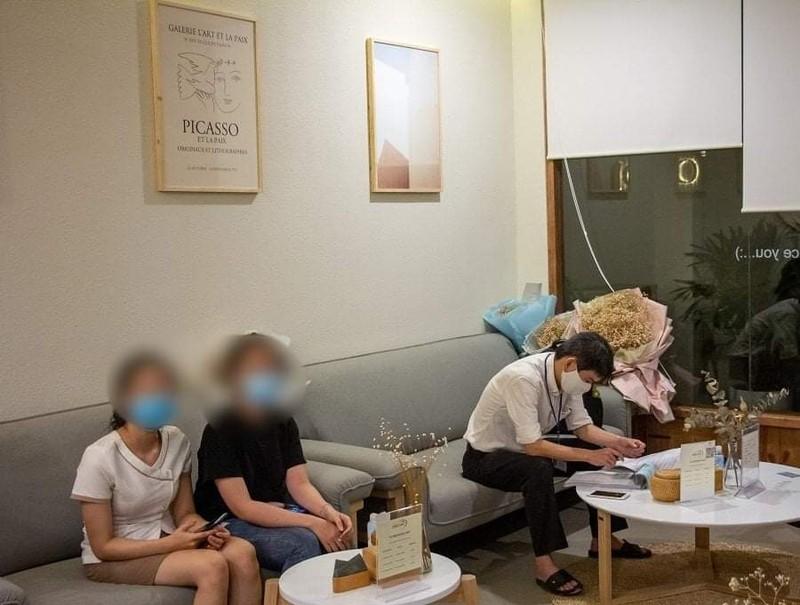 TP.HCM: Xử phạt một tiệm massage không đóng cửa phòng COVID-19 - ảnh 2