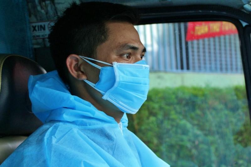 Ảnh: Chuyến 'đưa cơm' cho bác sĩ của tài xế xe 0 đồng - ảnh 6