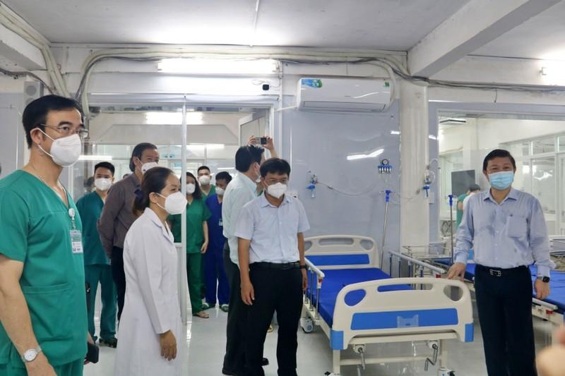Bệnh viện điều trị COVID-19 quận 5 được đưa vào hoạt động - ảnh 4