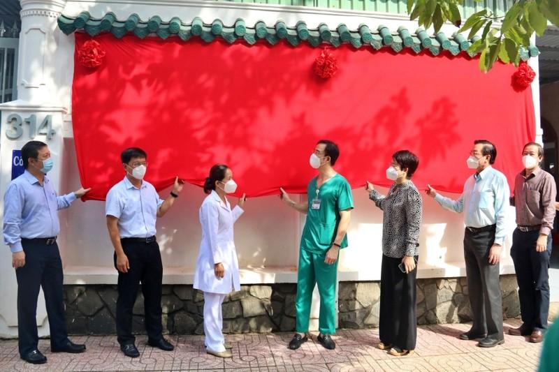 Bệnh viện điều trị COVID-19 quận 5 được đưa vào hoạt động - ảnh 1
