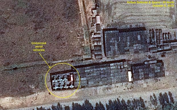 Ảnh vệ tinh 'soi' quy mô diễu binh rầm rộ của Triều Tiên - ảnh 2
