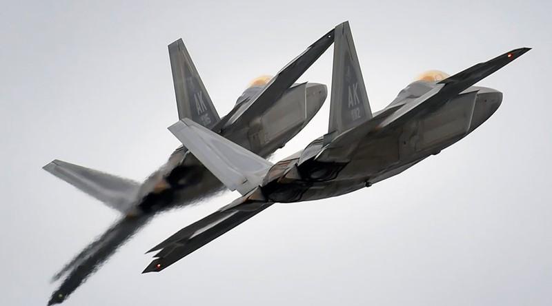 Lo ngại Nga, Mỹ triển khai máy bay tàng hình tới biển Đen - ảnh 1