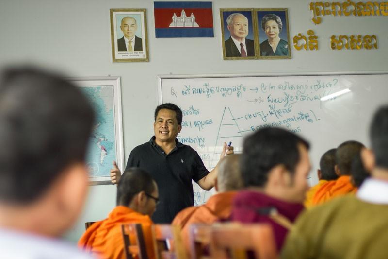nhà bình luật chính trị Kem Ley bị bắn chết