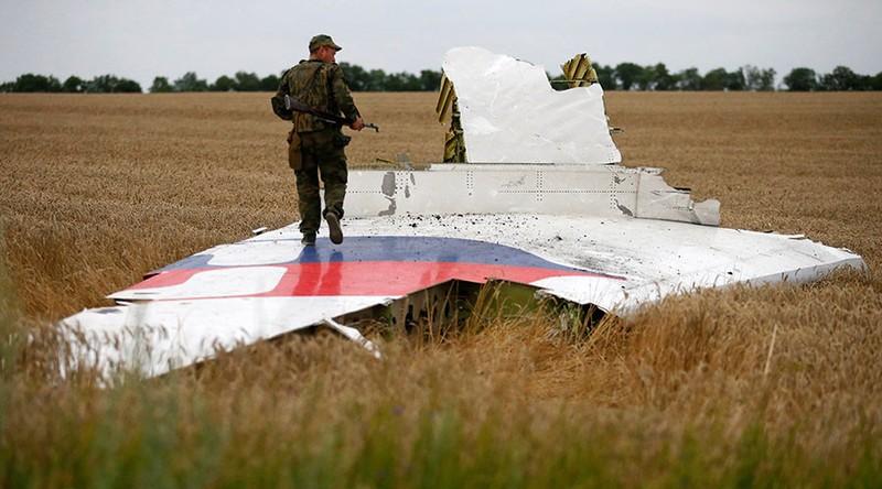 Mảnh vỡ của máy bay MH17
